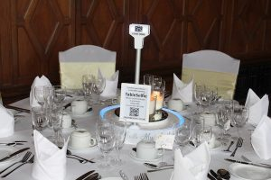 table selfie wedding centrepiece